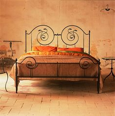 Dual spirals create a storybook feeling straight out of a fairy tale. Get your Vetigo Riccioli storybook bed today attuscanhills.com