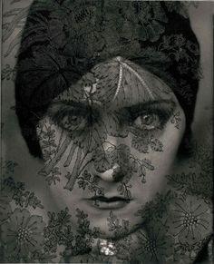 Now at FOAM, Amsterdam till September Gloria Swanson, 1924 © Edward Steichen / Courtesy Condé Nast Publication