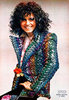 Marc Bolan wearing his iconic Biba jacket with ziggurat sequins in 1973 and one of the jackets today (tho not Marc's) on display at fab vintage shop Mooshy La La in Liverpool. Marc Bolan, Biba Fashion, Seventies Fashion, Rock Fashion, Lolita Fashion, Fashion Boots, Style Fashion, 70s Glam Rock, Bad Boy Style