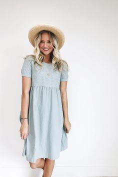 Elizabeth Linen Dress in Sage Blue