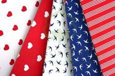 Swallows, hearts and stripes in red & navy cotton fabric set / Zestaw czerwono-granatowy