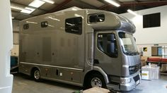 Proud of our #horseboxes for sale - 4.7 tonnes of gorgeousness - horses not included! Amazing 2.8 tonnes of payload - #horsehour