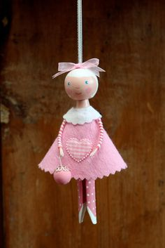 darling little pin doll inspiration.need to hone my painting skills first. Wood Peg Dolls, Clothespin Dolls, Clothespin Crafts, Hobbies And Crafts, Crafts For Kids, Dolly Doll, Clothes Pegs, Fairy Dolls, Doll Crafts
