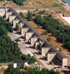 Can the giant former Nazi vacation complex on the German island of Rügen, derelict for years, be transformed into a luxury resort? Berlin investors believe it can, but local politicians have their doubts. Monumental Architecture, German Architecture, Koloss Von Prora, High Hopes, Vintage Travel Posters, France Travel, Abandoned Places, East Germany, Photo Galleries