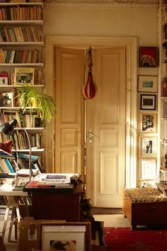 I would love a library! And those doors!
