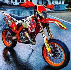 KTM SUPERMOTO Ktm 690, Ktm Supermoto, Ktm Dirt Bikes, Enduro Motocross, Foto 3d, Sports Mix, Dirtbikes, Street Bikes, Bike Life