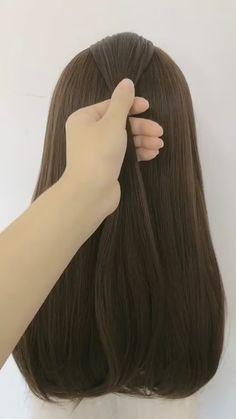 Bride Hairstyles, Easy Hairstyles, Hairstyles For Medium Length Hair Easy, Diy Haircut, Hair Upstyles, Hair Videos, Hair Hacks, Dyed Hair, Short Hair Styles