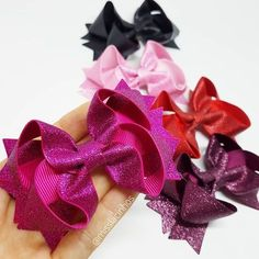 Mais cores do nosso glitter lindo 🎀😍 ⠀ ✅Pedidos via Whatsapp, o link está na bio. Clica! ⬆😉 _____________________________________________ #moda #misslacinhos #maternidade #maedemenina #modainfantil #baby #acessoriosinfantil #modakids #modababy #enxoval #rescemnascido #enxovalluxo #bow #lacos #laco #lacinhos #lacodecabelo #atacado #lacoluxo #amolaco #meninadelaco #lacosmaceio #maceio #feitoamao #artecomamor #cute #glitter #lacinhoglitter
