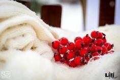 Az apró kiegészítők színe igen fontos, ha minden fehér... Minden, Raspberry, Fruit, Wedding, Food, Valentines Day Weddings, Essen, Meals, Raspberries
