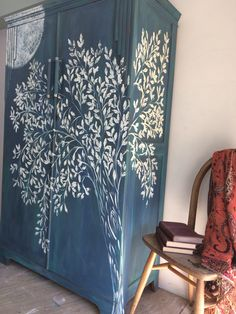 Hand painted Wardrobe inspired by the moon. Chalk Paint Wardrobe, Painted Wardrobe, Hand Painted Furniture, Upcycled Furniture, Painted Cupboards, Tv Cabinets, Ikea Living Room, Living Rooms, Modern Closet