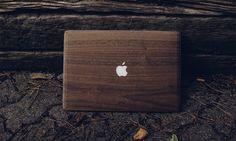 Glitty vous propose de recouvrir votre MacBook... de bois ! - http://www.leshommesmodernes.com/glitty-protection-macbook/