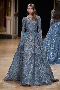 BN Bridal: Ziad Nakad at Paris Fashion Week Haute Couture Fall/Winter Stunning Dresses, Beautiful Gowns, Pretty Dresses, Beautiful Outfits, Beautiful Clothes, Vestidos Fashion, Fashion Dresses, Fashion Week, Look Fashion