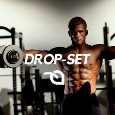 DROP-SET: após atingir a falha, reduza o peso em aproximadamente 50% e, sem descanso, faça mais 3 a 5 movimentos.