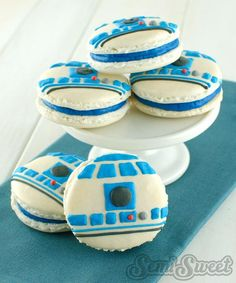Star Wars R2-D2 macarons. By Semi Sweet Designs SemiSweetMike