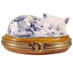 Chinese Style Sleeping Cat Limoges Box