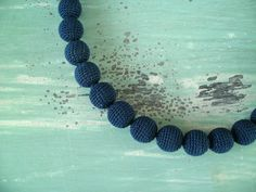 Bolletjesketting donkerblauw
