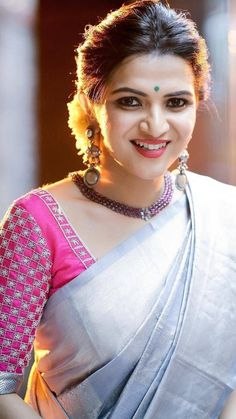 Her face is so hot! Wedding Saree Blouse Designs, Pattu Saree Blouse Designs, Blouse Designs Silk, Blouse Patterns, Simple Blouse Designs, Stylish Blouse Design, Amazing, Work Blouse, Indian Sarees