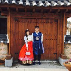 날씨가 봄이네 #환상의스케쥴#날씨가#조울증#더워#한복#전주#여행#한복체험#꽃순이#꽃돌이#주영공주와#바보상빈#jeonju#korea#travel#selfie#럽스타#셀카 by zzzu0