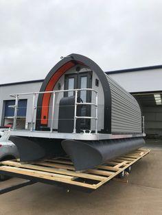 MatrixMX24 Glampboat — Matrix Pontoons Pontoon Houseboat, Houseboat Living, Pontoon Boats, Floating Dock, Floating House, Composite Cladding, Stainless Steel Railing, Small Sink, Diy Desk
