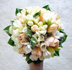 Decoflor Virágstúdió - Menyasszonyi csokor Floral Wreath, Wreaths, Spring, Wedding, Decor, Casamento, Decoration, Decorating, Door Wreaths