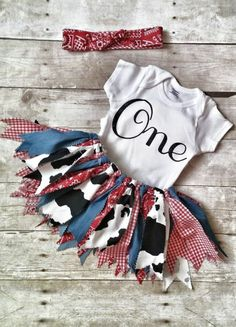 Barnyard Birthday Outfit Girl First Birthday Cow print tutu shabby - Kinsley Baby Name - Ideas of Kinsley Baby Name - Barnyard Birthday Outfit Girl First Birthday by LottieLulaDesigns Cow Birthday, Cowgirl Birthday, Cowgirl Party, Girl First Birthday, Birthday Ideas, Birthday Parties, Cowgirl Outfit, Outfit Stile, Barnyard Party