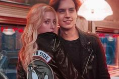 riverdale halloween costumes halloweencostumes Betty Cooper and Jughead Jones Riverdale Bughead 636977941031166176 Riverdale Poster, Bughead Riverdale, Riverdale Funny, Riverdale Memes, Riverdale Veronica, Sprouse Cole, Cole Sprouse Jughead, Dylan Sprouse, Riverdale Wallpaper Iphone