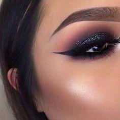 Dramatic Smokey Eye with a Pop of Glitter