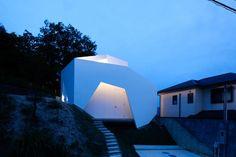 AUAU建築研究所 鵜飼昭年 - まといの家 http://www.auau-archi.com/