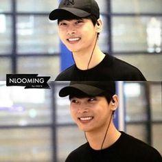 N at incheon airport ~ his smile~~~~ Credits to owner~ #빅스 #Vixx #chahakyeon #n #vixxn #빅스 #빅스엔 Admin~N