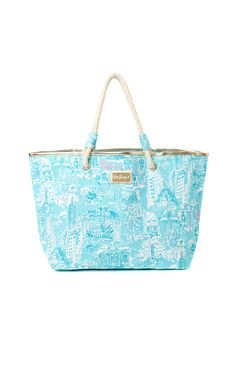 4d3ffd214d This limited-edition Lilly Pulitzer Shoreline Tote features a NYC toile  design