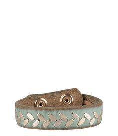 De ingelegde studs bij deze Cowboysbag armband geven een subtiel stoer effect. De perfecte accessoire die matcht bij de rest van je Cowboysbag items! (€16,95)