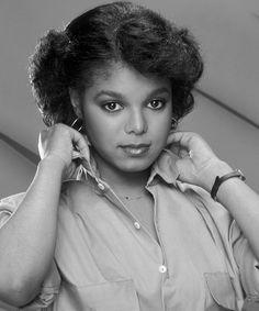 A young Janet Jackson. The Jackson Five, Jo Jackson, Jackson Family, Janet Jackson 80s, Lisa Marie Presley, Paris Jackson, Michael Jackson, Elvis Presley, Vintage Black Glamour
