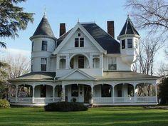 Victorian Farmhouse, Victorian Homes, Farmhouse Plans, Farmhouse Design, Tower House, Victorian Architecture, Sims House, House Goals, Life Goals