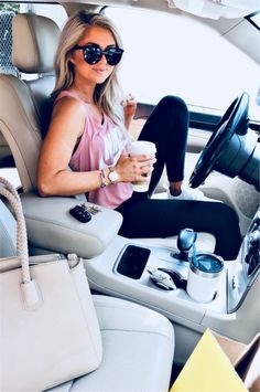 53 Colorful Outfit Ideas to Go to School in Summer This Year fashion # fashion Summer Outfits For Moms, Lazy Day Outfits, Sporty Outfits, Summer Fashion Outfits, Athletic Outfits, Fall Outfits, Cute Outfits, Summer Leggings Outfits, Casual Summer Outfits