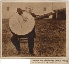 1927 - the biggest banjo in the world.