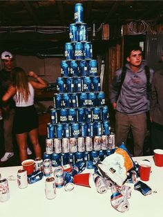 Just what kinds of roommates are common at San Diego State University dorms? Are you moving into one High School Parties, College Parties, Teenage Parties, Summer Vibes, Summer Fun, Weekend Vibes, Photos Bff, Alcohol Aesthetic, Aesthetic Art