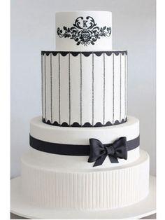 Tartas de boda - Wedding Cake - so elegant - clean and crisp Black And White Wedding Cake, White Wedding Cakes, Beautiful Wedding Cakes, Gorgeous Cakes, Pretty Cakes, Amazing Cakes, White Cakes, Black White, Cake Wedding