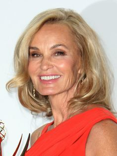 I love Jessica Lange. I love that she hasn't gone all botox like the rest of Hollywood. She is a true beauty inspiration....and a stunning actress!