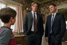 Jensen Ackles, Jared Padalecki, and Gattlin Griffith in Supernatural (2005)
