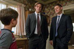 Jensen Ackles, Jared Padalecki, and Gattlin Griffith in Supernatural (2005)