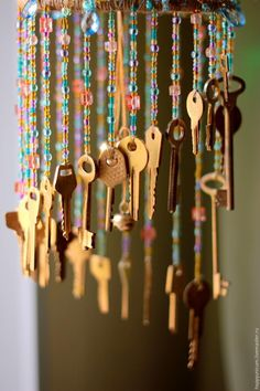 "Beaded Wind Chimes Ideas - How to make ""Music of wind,"" from waste keys ~ Crazzy Craft Key Crafts, Diy And Crafts, Crafts For Kids, Arts And Crafts, Mobiles, Craft Projects, Projects To Try, Diy Wind Chimes, Old Keys"