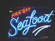 Measures: Three size options or custom size per your request. (Neon tube size is a little smaller than that, depend on the shape). Power: for US and Canadian customers, for European cou Fresh Seafood, Fish And Seafood, Seafood Restaurant, Restaurant Design, Live Crawfish, Custom Neon Signs, Sign Display, Beer Bar, Led