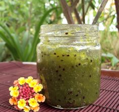 Geleia de Kiwi                                                                                                                                                                                 Mais Kiwi, Jam Recipes, Sweet Recipes, Sauces, Homemade Tea, Ceviche, Just Desserts, Preserves, Herbalism