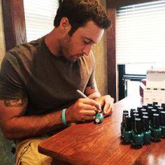 Alex assinar polonês garrafas de unha
