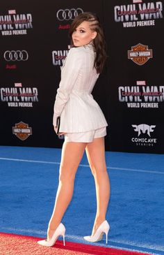 Kelli Berglund: white pumps and great legs Great Legs, Nice Legs, Beautiful Legs, Amazing Legs, Kelli Berglund Hot, White High Heels, White Pumps, Young Actresses, Sexy Legs And Heels
