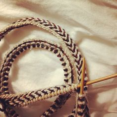 Baltic Braid. Tutorial by Dorie. Feel free to follow and join our new community board : Knitting stitches and tutorials for all. http://pinterest.com/DUTCHYLADY/knitting-stitches-tutorials-for-all/