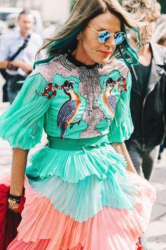 Volantes plisados, colores pastel, bordados, encaje, pedrería...parece que no, pero funciona #AnnadeloRuso