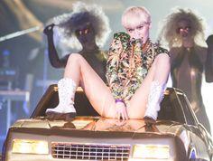 Miley Cyrus: F*** you, Liam!