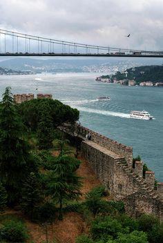 ✮ Bosphorus and ancient city wall - Istanbul, Turkey - http://turkey.mycityportal.net