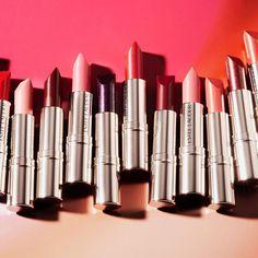 いいね!9,884件、コメント34件 ― Estée Lauderさん(@esteelauder)のInstagramアカウント: 「Is there such thing as too many #lipsticks?Wait, don't answer that. #LoveLipRemix」
